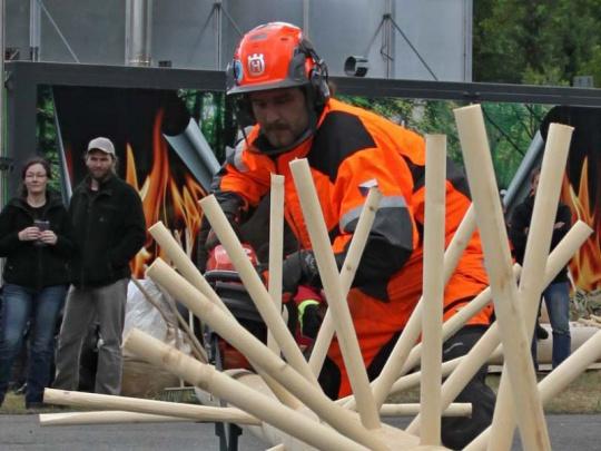 Na dřevorubeckém šampionátu v Ralsku dominovali závodníci VLS
