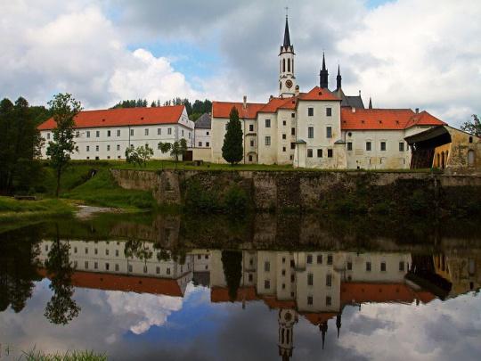 Cisterciáci musí vrátit lesy, o práci mohou přijít desítky lidí